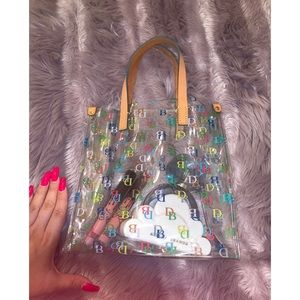 Dooney & Bourke Clear Tote in great condition
